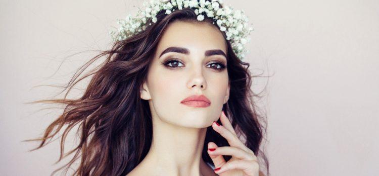5 نصائح لاختيار تسريحة شعر مناسبة للعروس يوم الزفاف