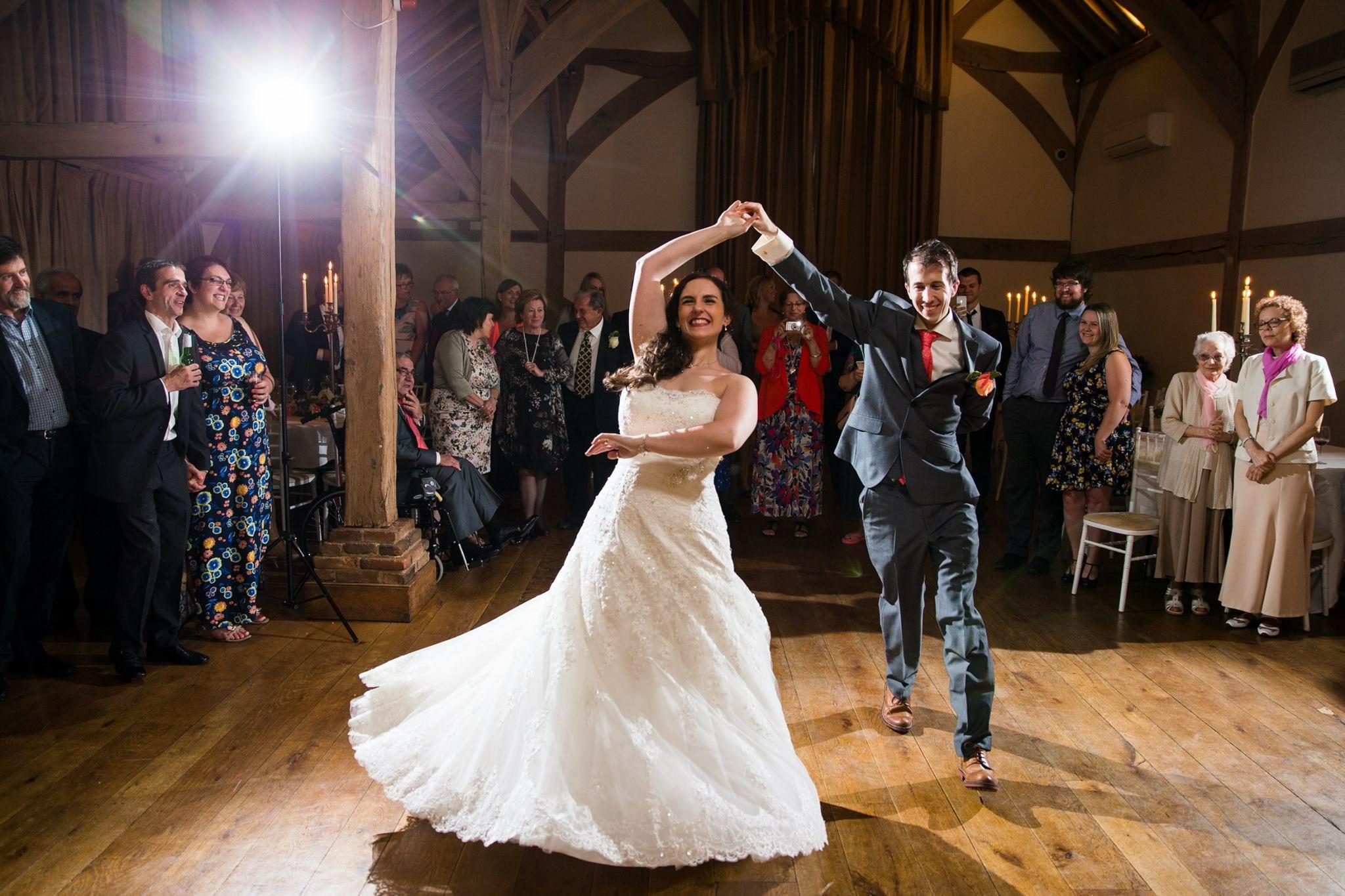 كيف تستمتعين بيوم الزفاف