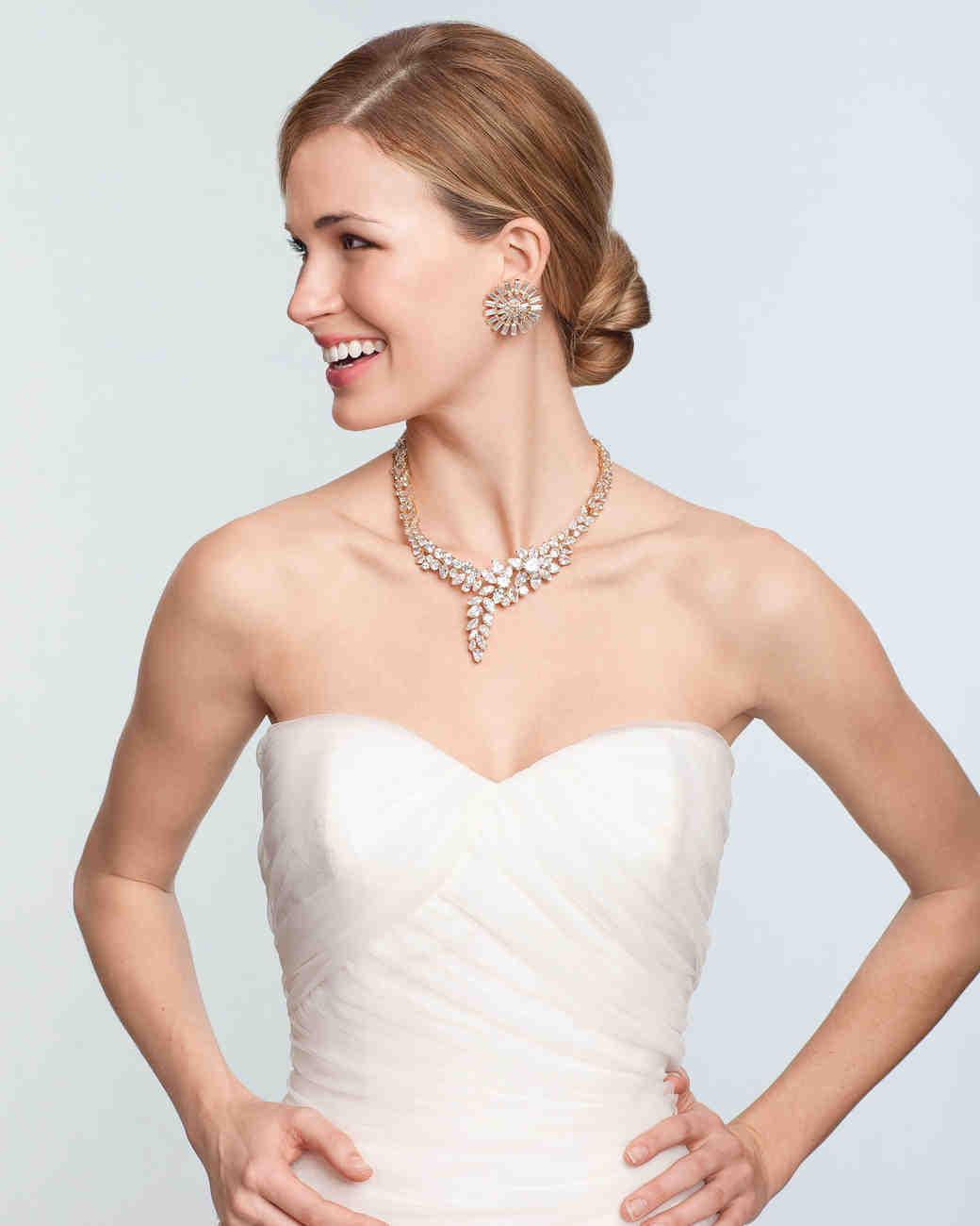 مجوهرات العروس حسب الفستان