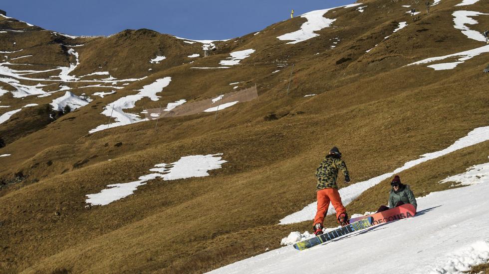 وجهات ساحرة لقضاء شهر عسل في الشتاء : جبال الآلب