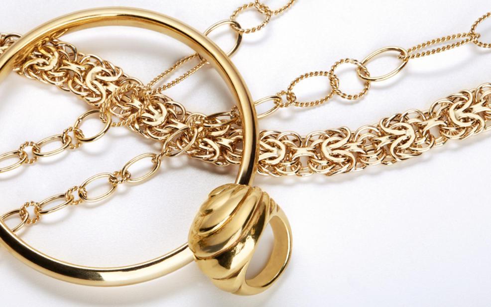 قطع ذهبية بسيطة