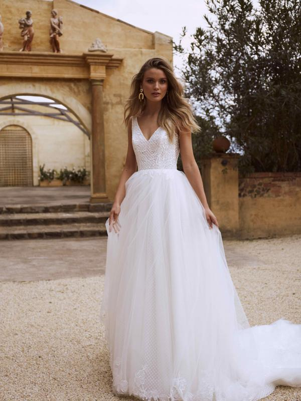 فساتين زفاف كلاسيكية : تصميم إيمون
