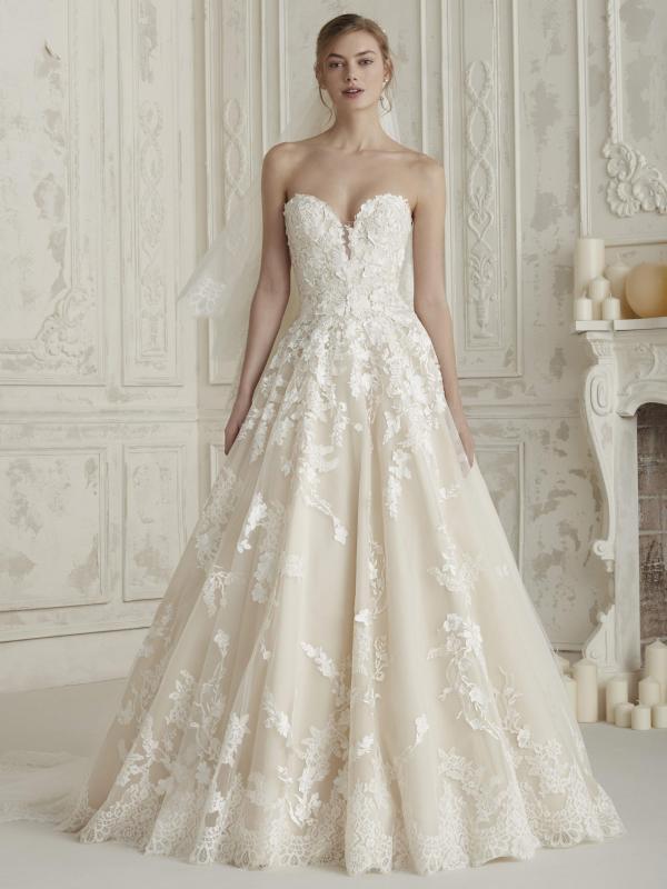 فساتين زفاف كلاسيكية : تصميم إلسيرا