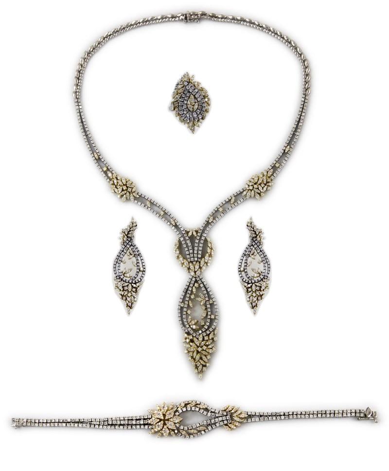 مجوهرات الفردان طقم من الذهب الأصفر و الماس