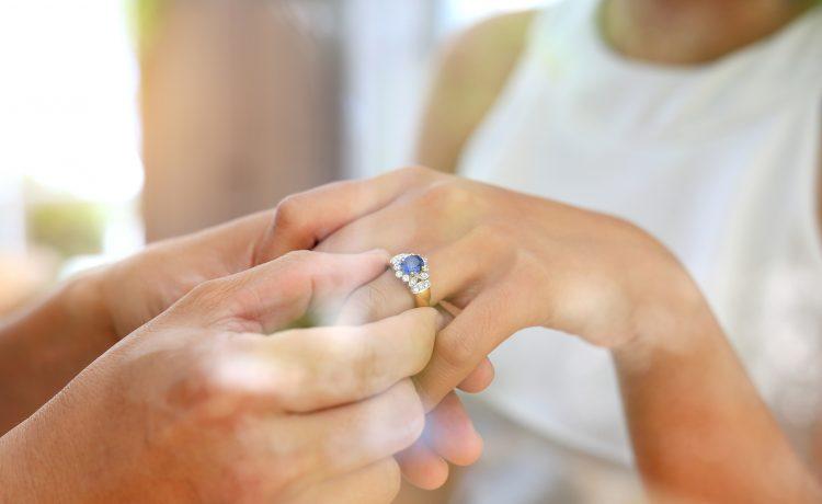 خاتم خطوبة حسب حجر مولدك