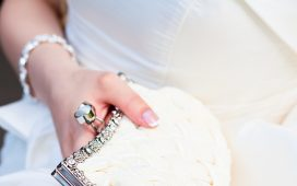 حقيبة يد عروس