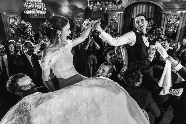 رقصة العريس والعروس