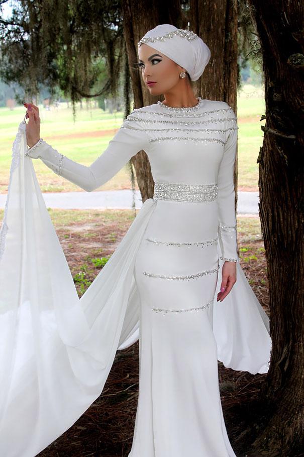 فستان زفاف متساوي الأطراف