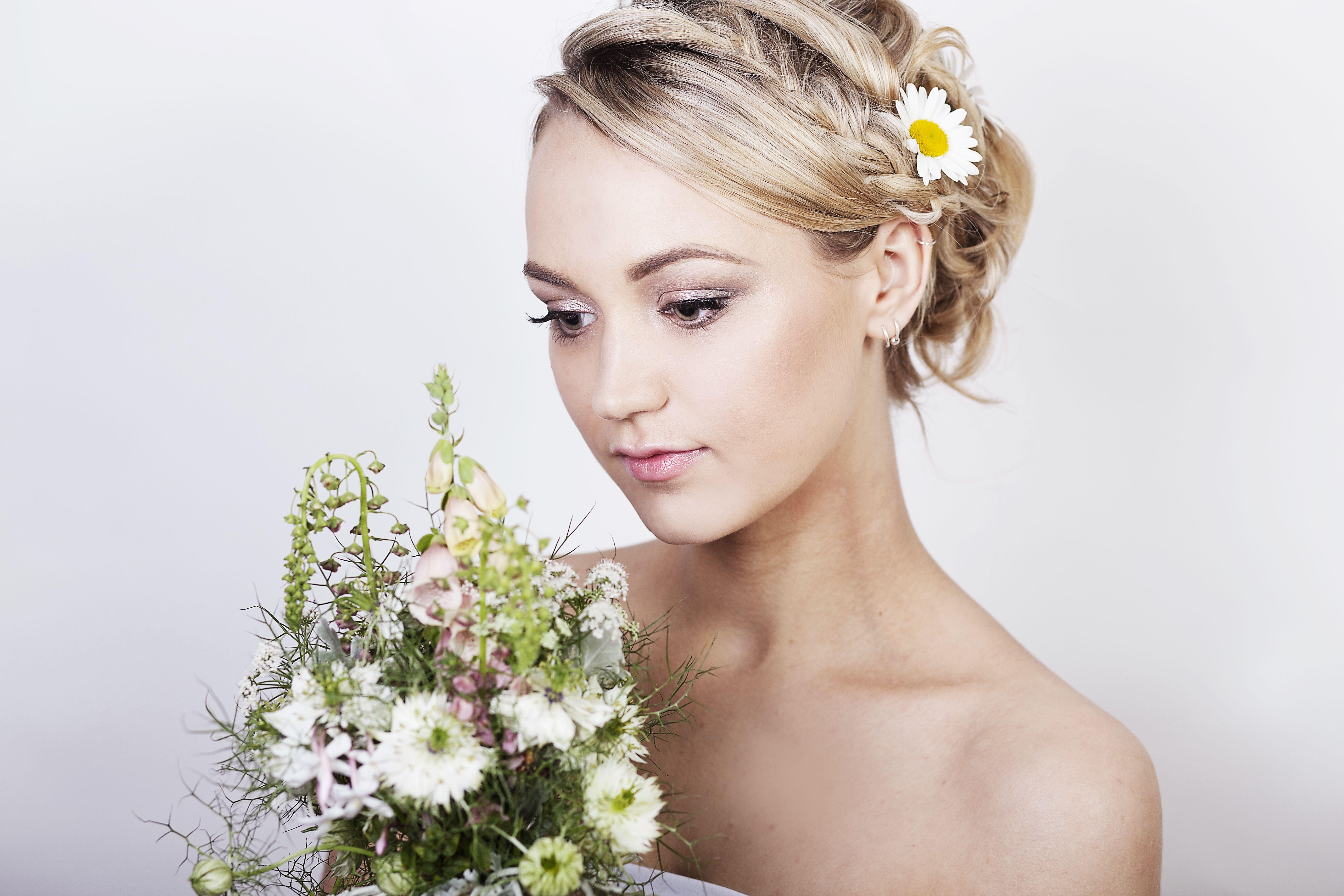 مكياج زفاف يبرز جمالك الطبيعي