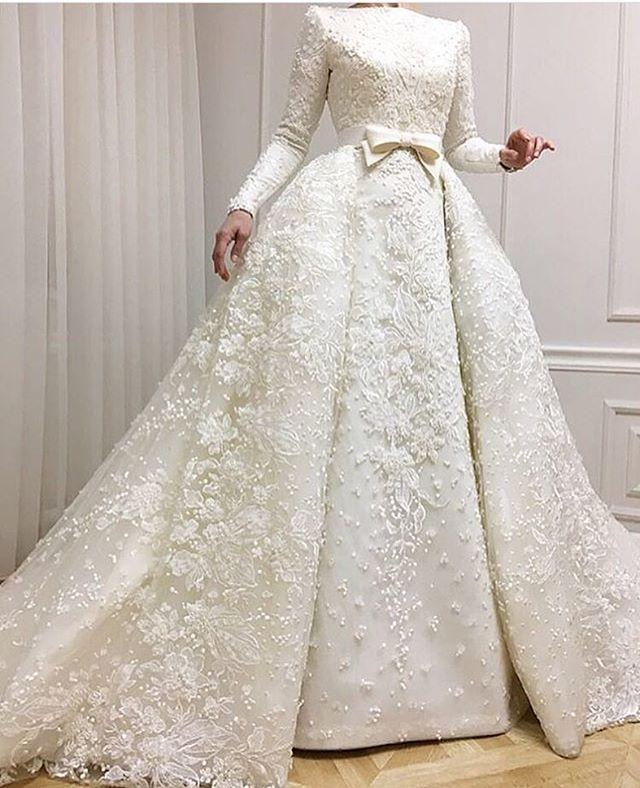 فستان زفاف بخصر ضيق
