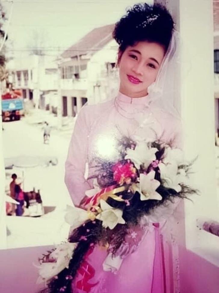 صور زفاف قديمة في التسعينات