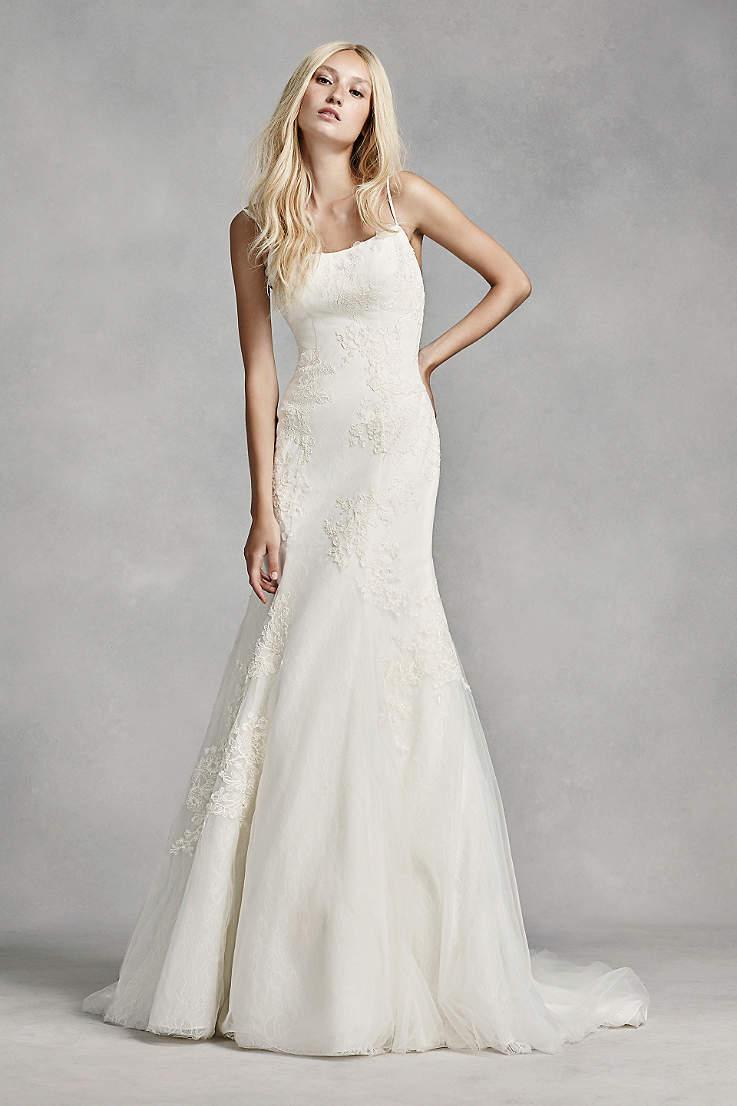 فستان زفاف بسيط