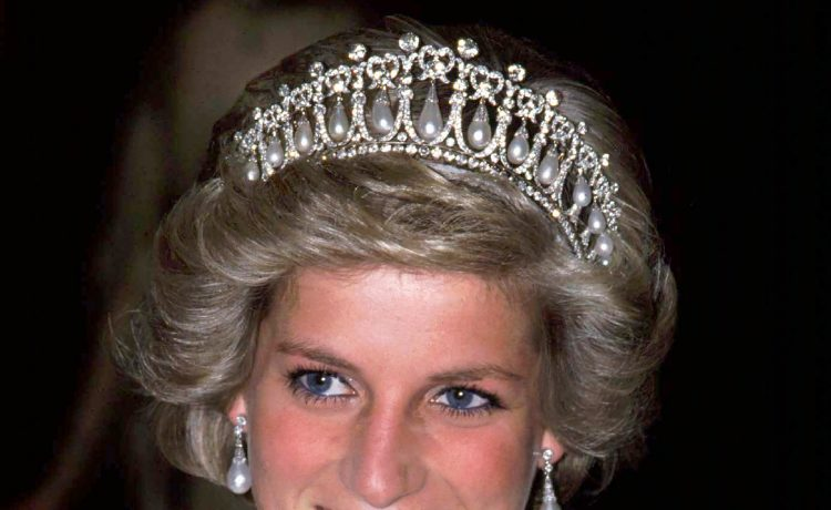 أجمل فساتين الزفاف الملكية