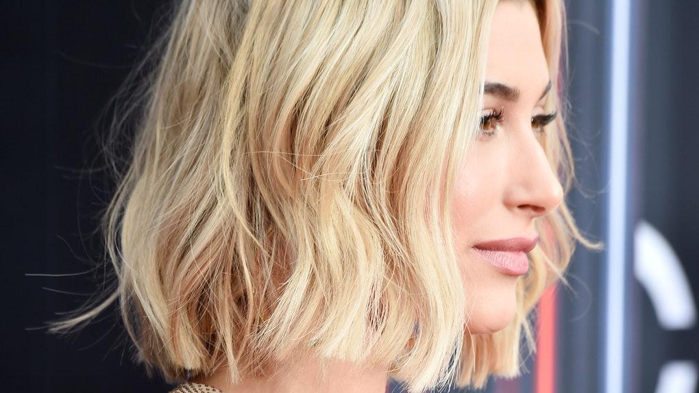 الشعر القصير متساوي الأطراف