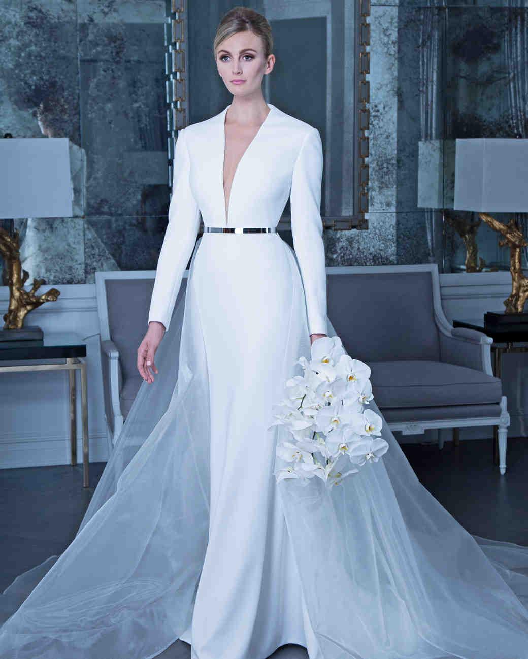 فستان زفاف بكم طويل