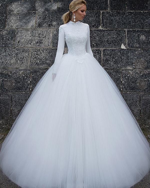 فستان زفاف بكم أنيق