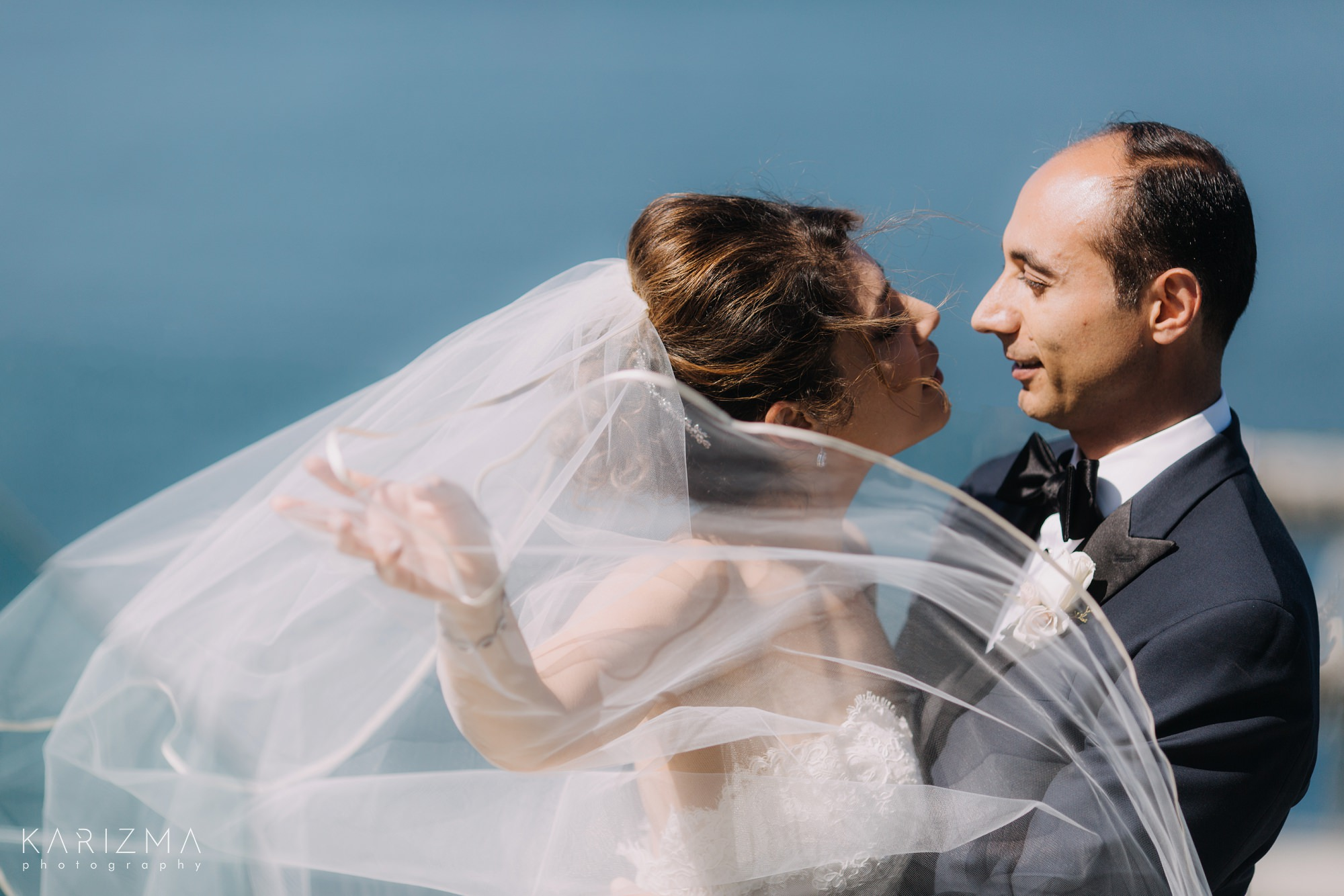 فساتين زفاف كاريزما