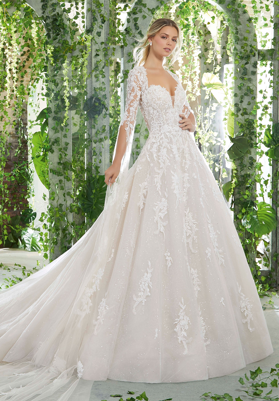 فستان زفاف مفتوح