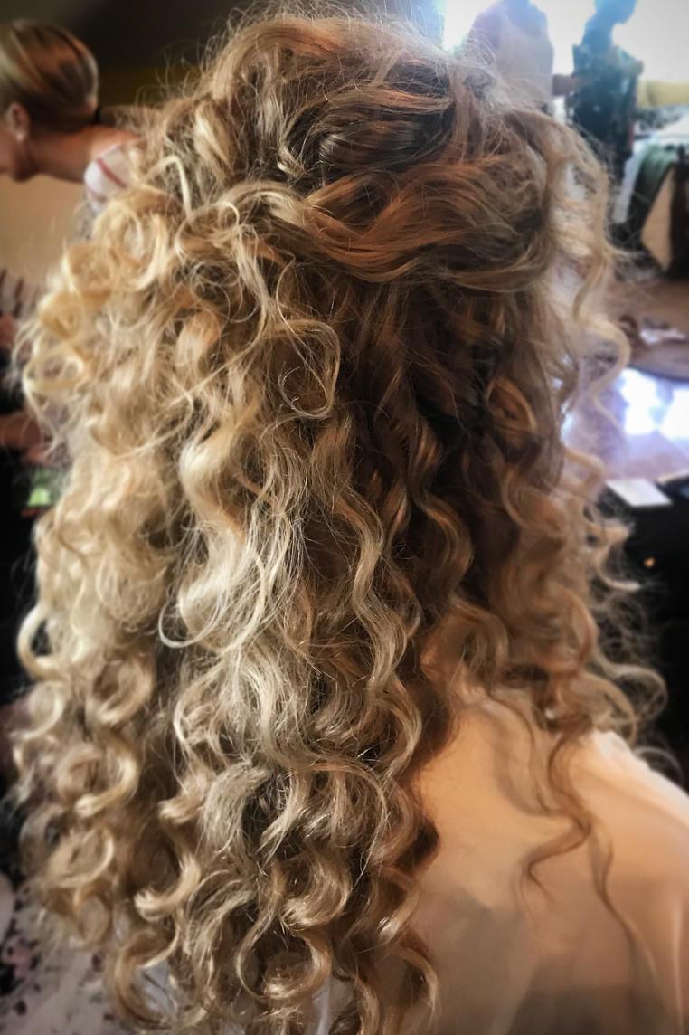 الشعر المجعد لحجم إضافي