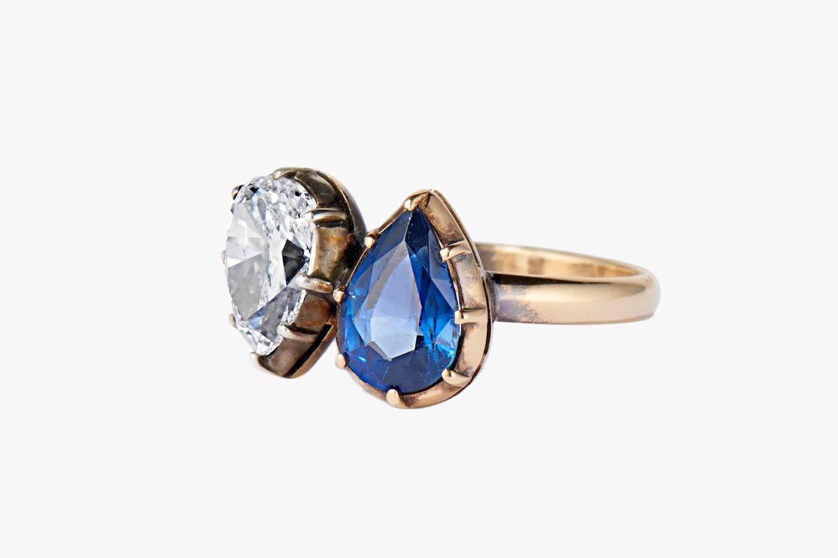 خاتم ألماس أبيض وأزرق