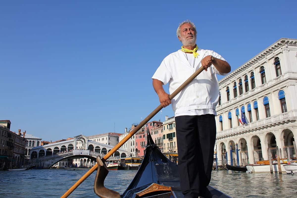 شهر العسل في فينيسيا : تكاليف الرحلة على القارب