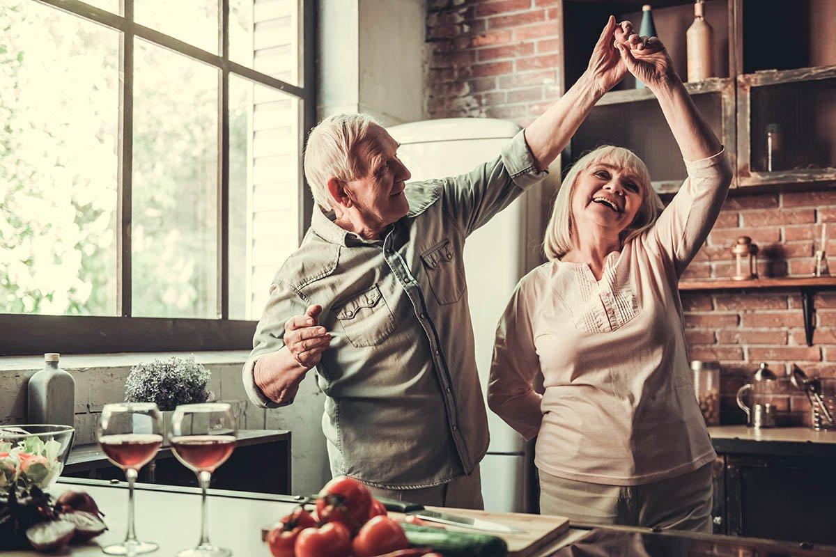 أهم الحلول لـ المشاكل العاطفية بين الأزواج