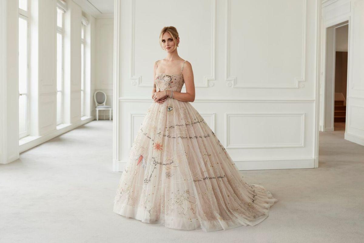 فستان زفاف ملون
