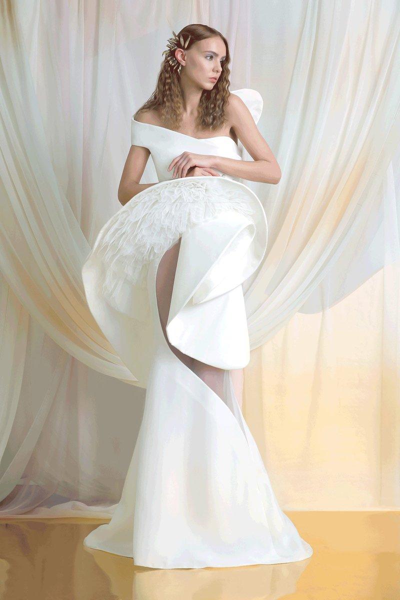 فستان زفاف جريء