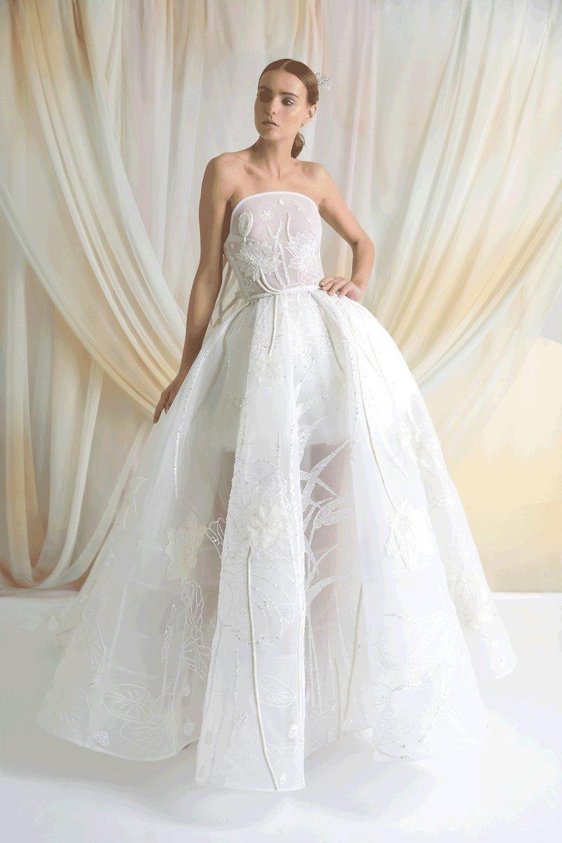 فستان كلاسيكي
