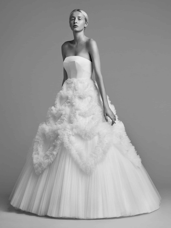 """فستان زفاف غيمة الحب من تصميم """" فيكتور ورولف مارياج"""""""