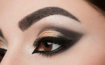 طريقة مكياج عيون
