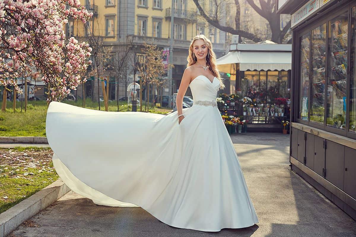 فستان عروس ناعم : الحرير