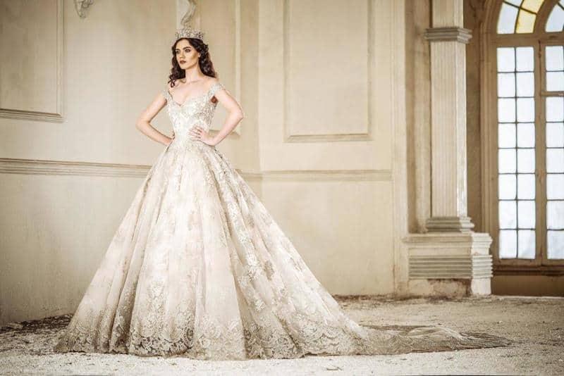 تصاميم فساتين زفاف مترفة