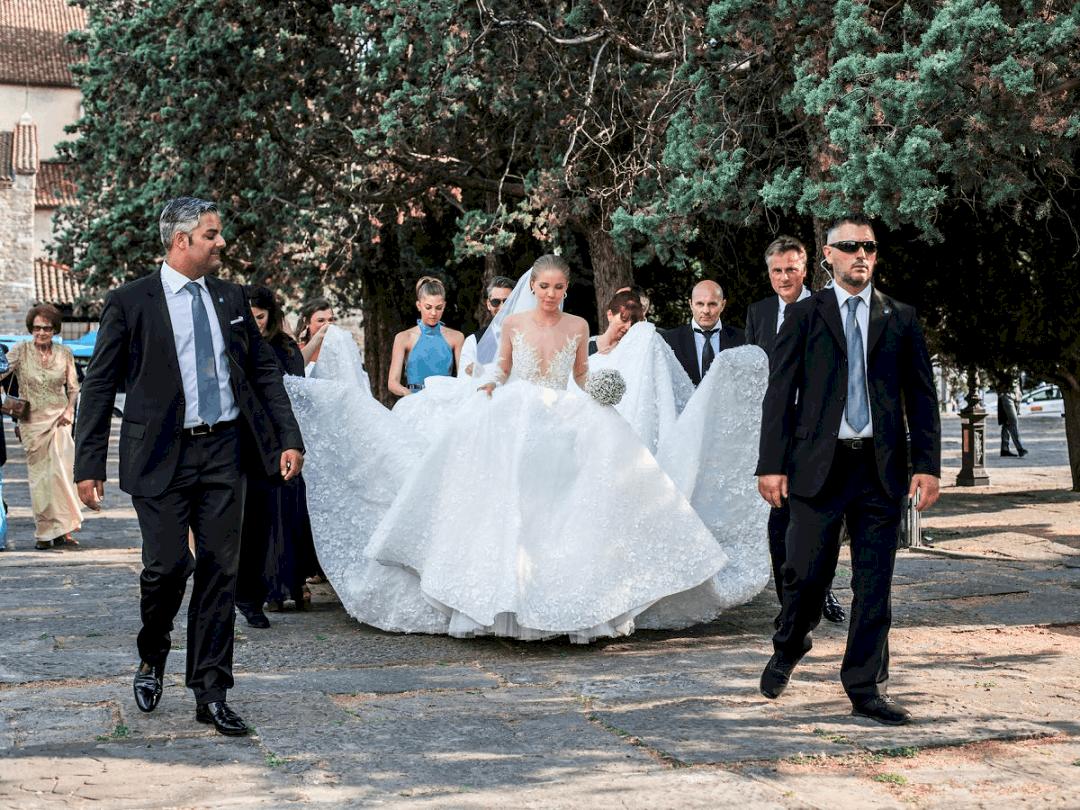 أغلى فساتين زفاف : فستان زفاف فيكتوريا سواروفسكي