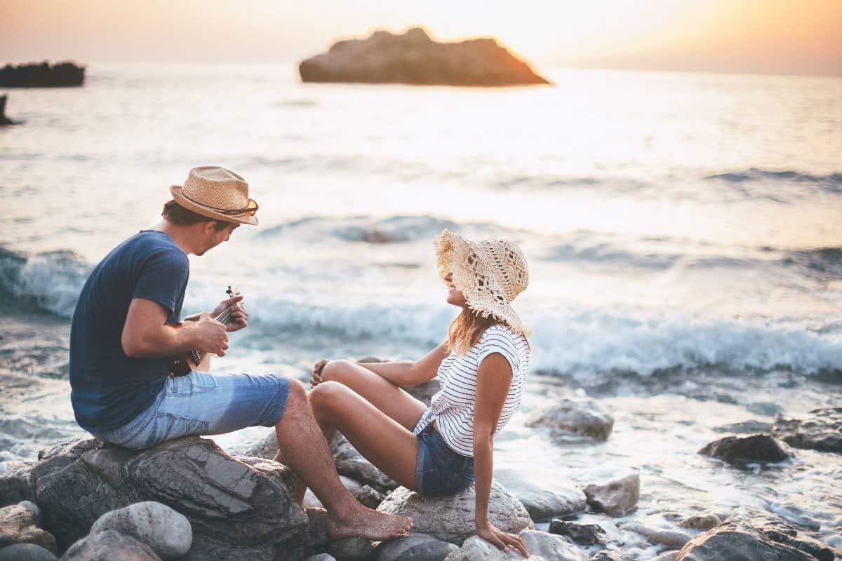 نصائح للعروس في شهر العسل : عاطفة لا جسد
