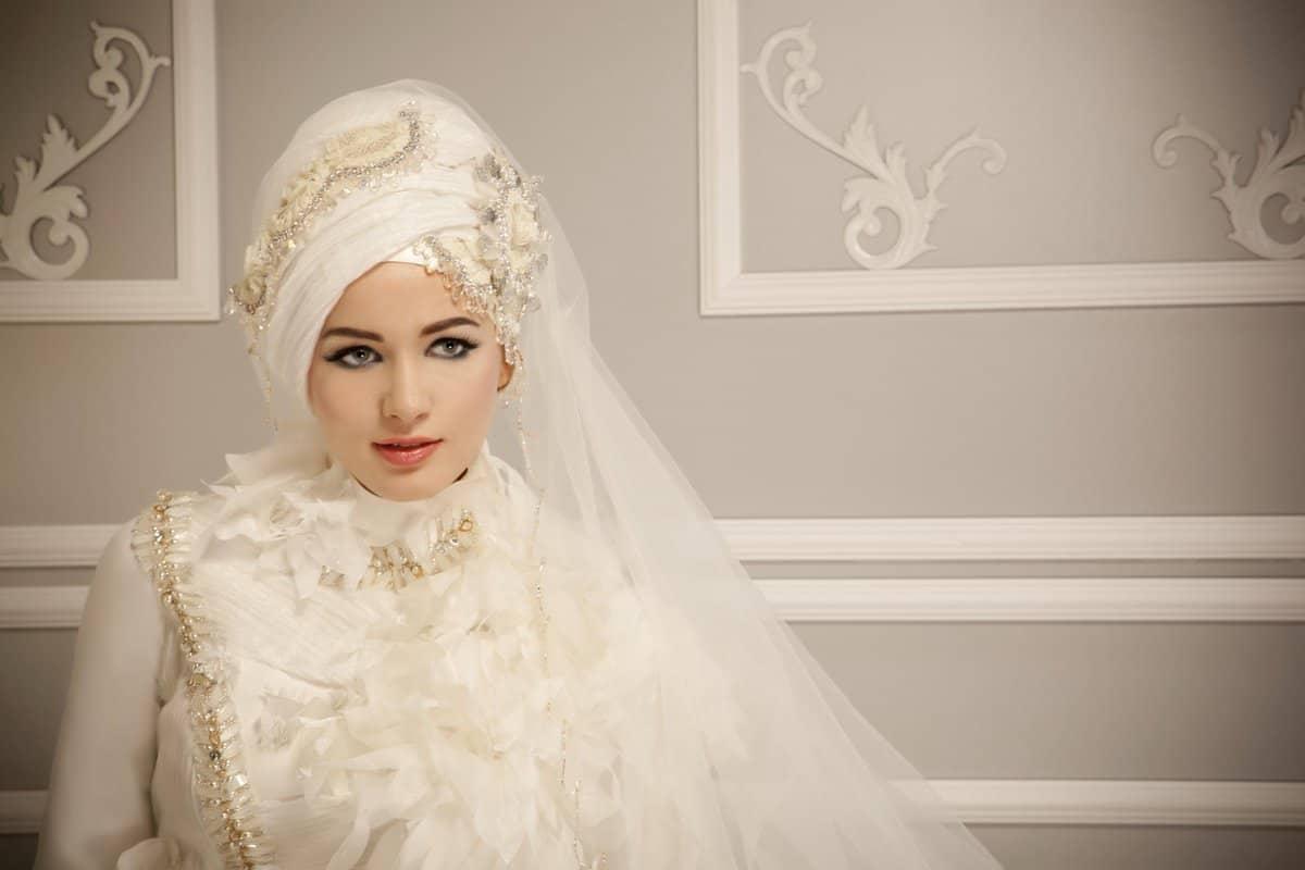 فساتين زفاف فخمه للمحجبات : اختاري الخامة المناسبة للفساتين
