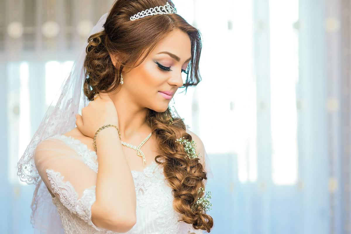تجهيزات العروس لجسمها التدليك