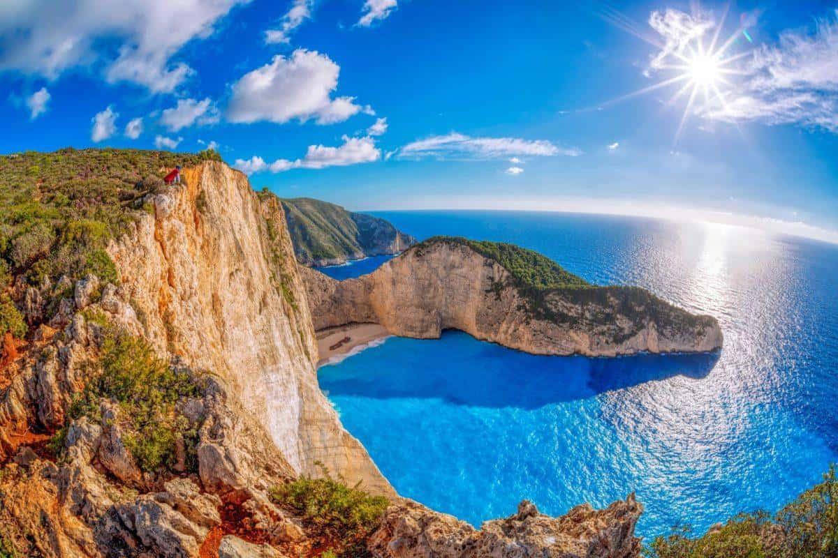 ارخص اماكن شهر العسل خارج مصر : اليونان