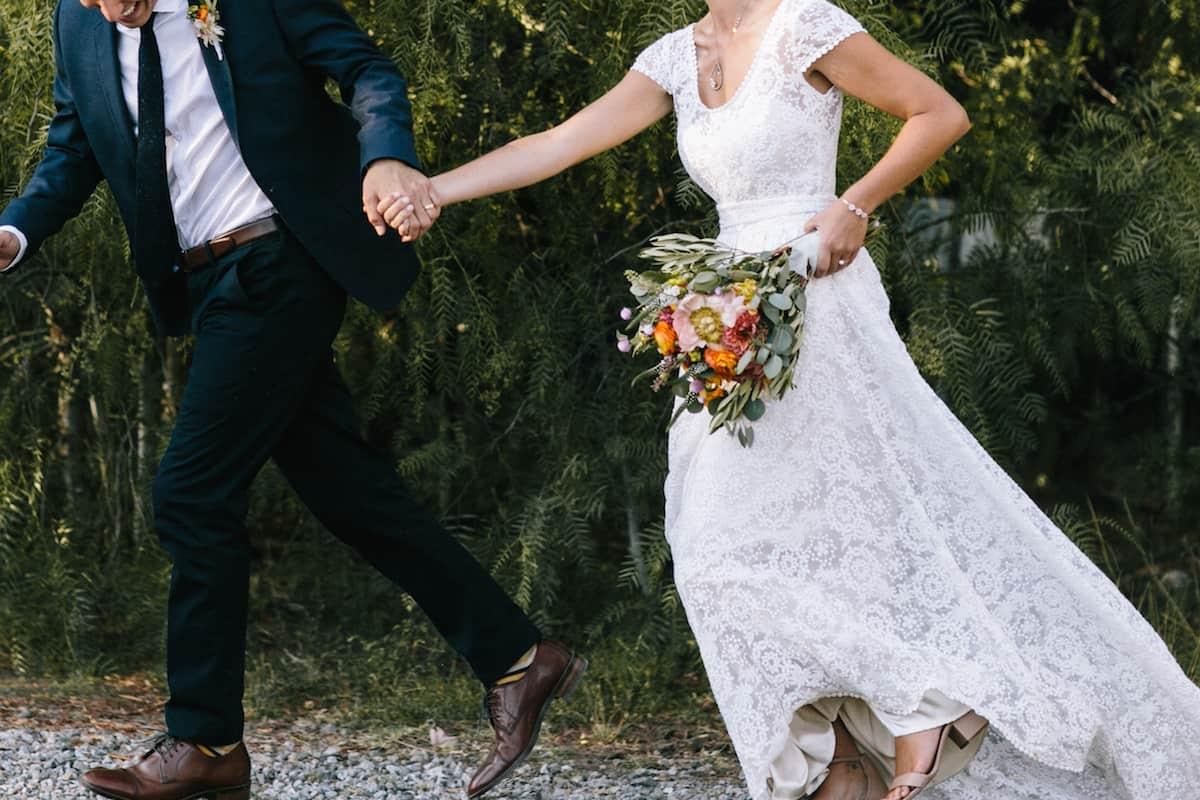 فساتين زفاف فخمه من حكايات الخيال بنقوش بسيطة