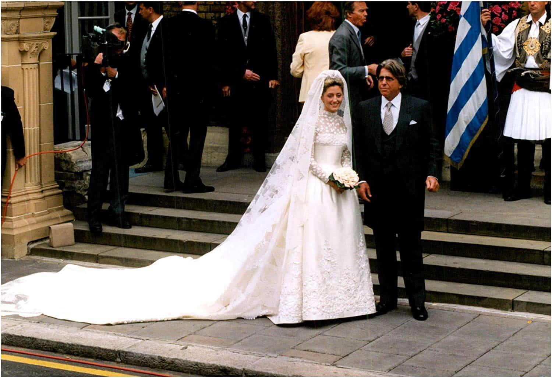 فستان زفاف ماري شانتال ميلر