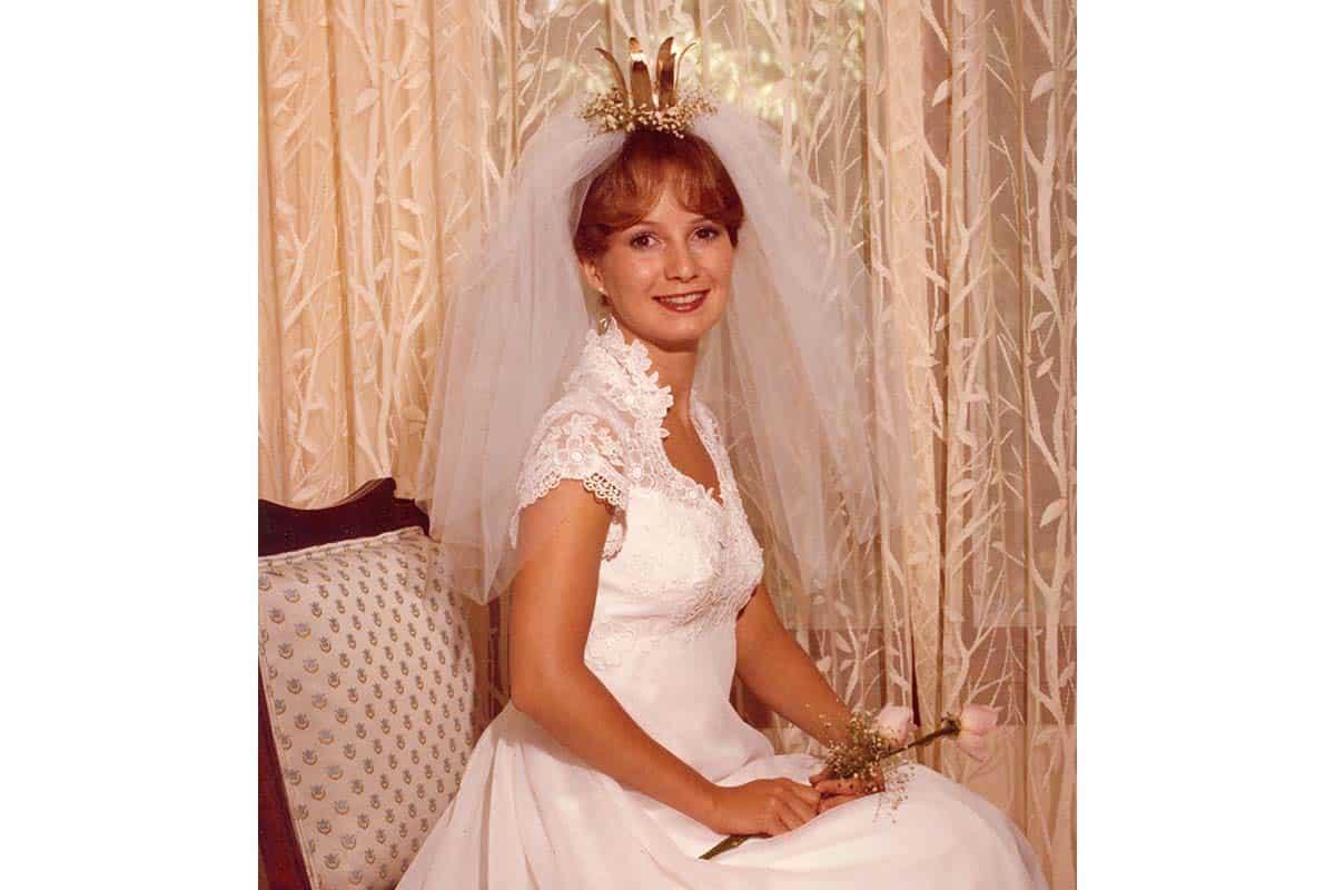 تسريحات عروس بالتاج : تاج مع الطرحة
