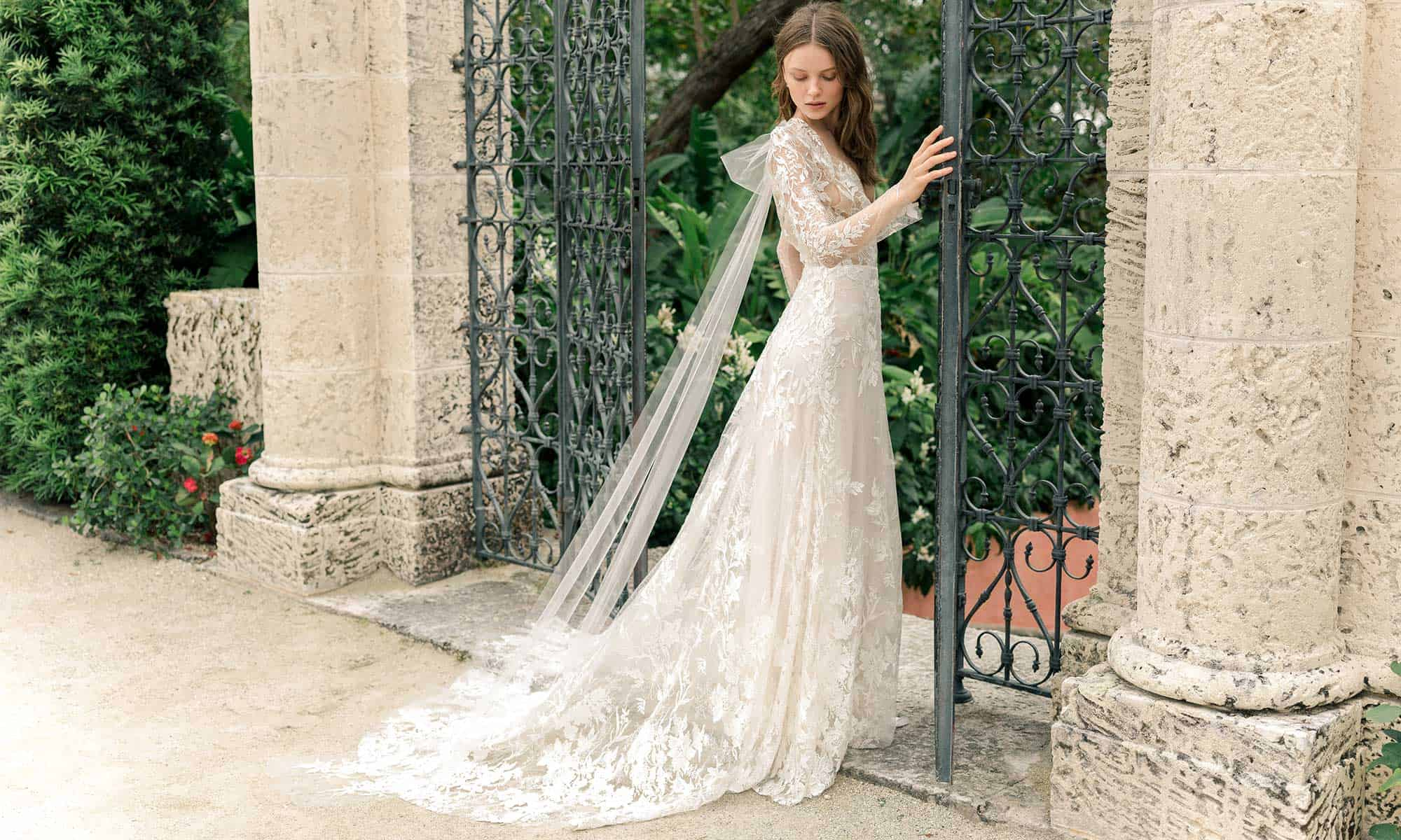 """فستان زفاف """"Carousel"""""""