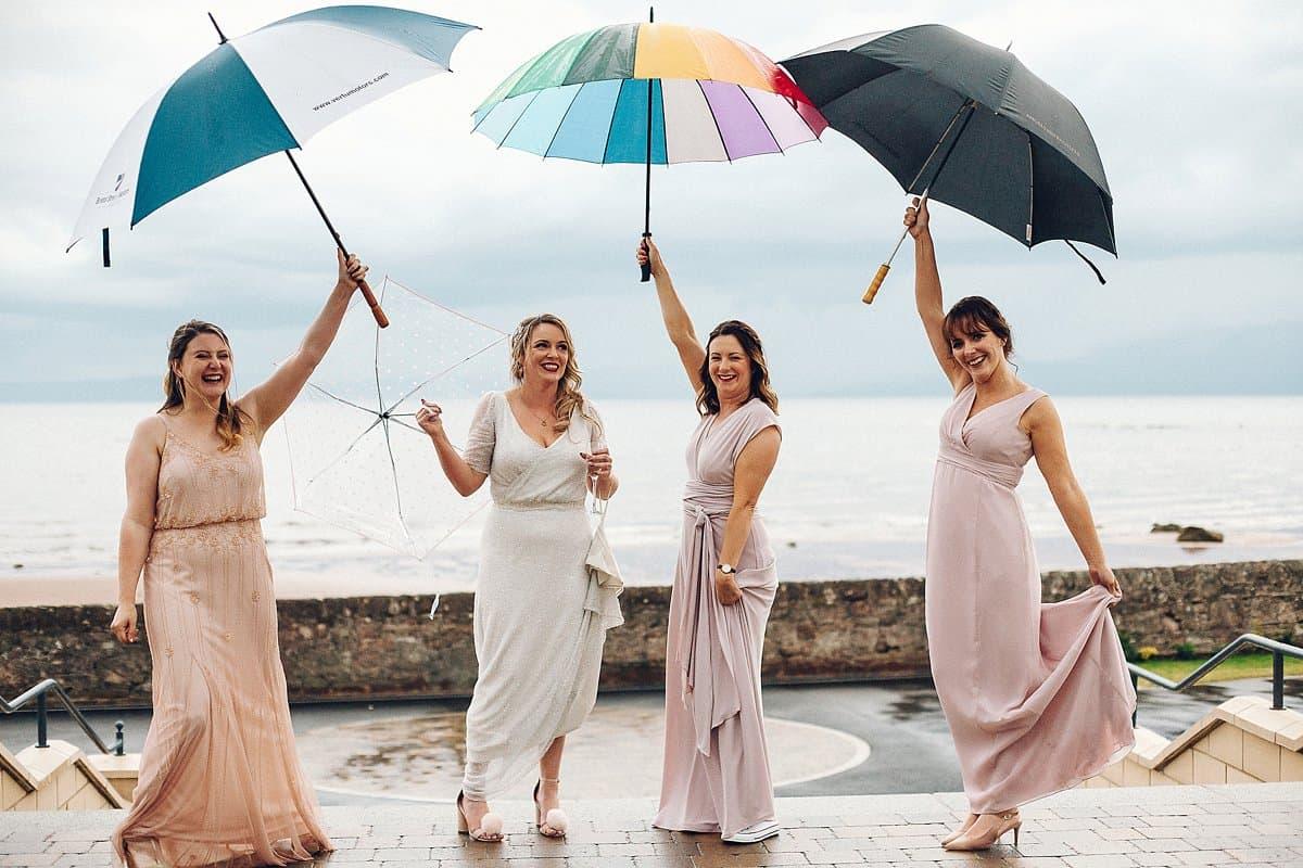 مظلات بـ ألوان أنيقة ومتميزة