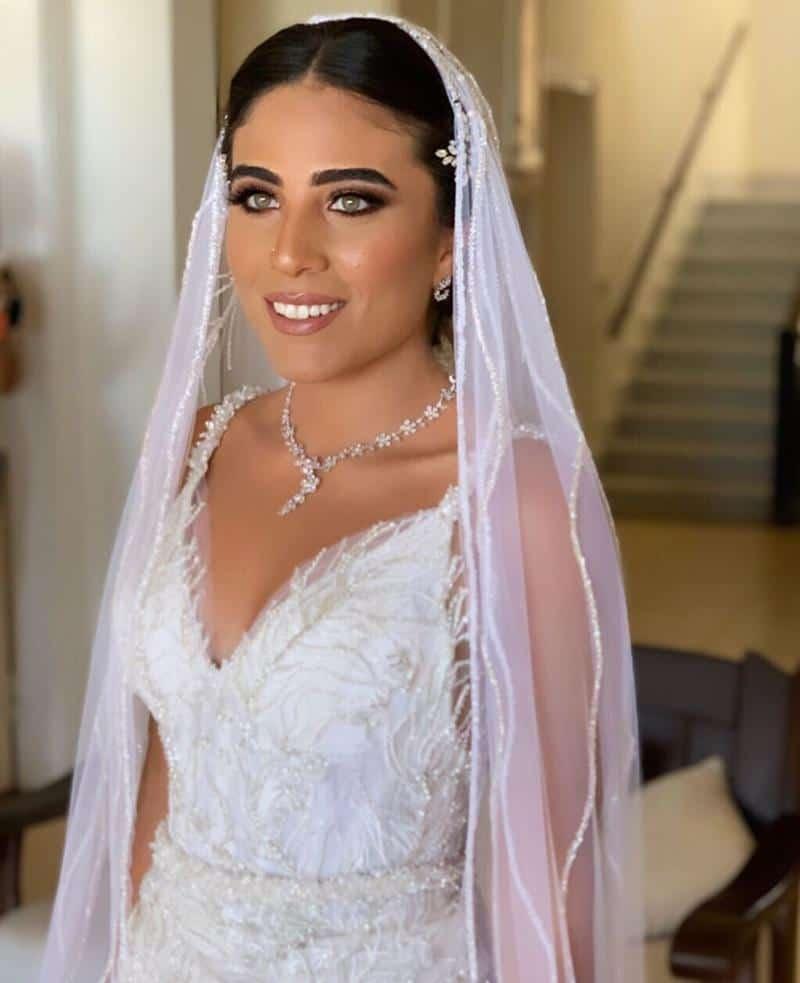 العروس مهندسة الإلكترونيات