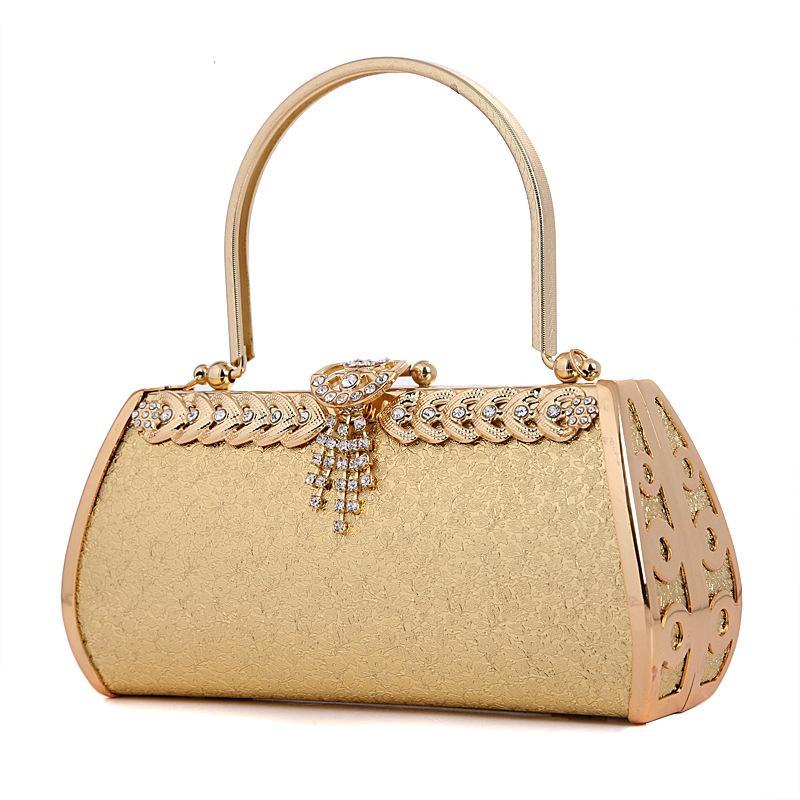 حقيبة يد بلون ذهبي