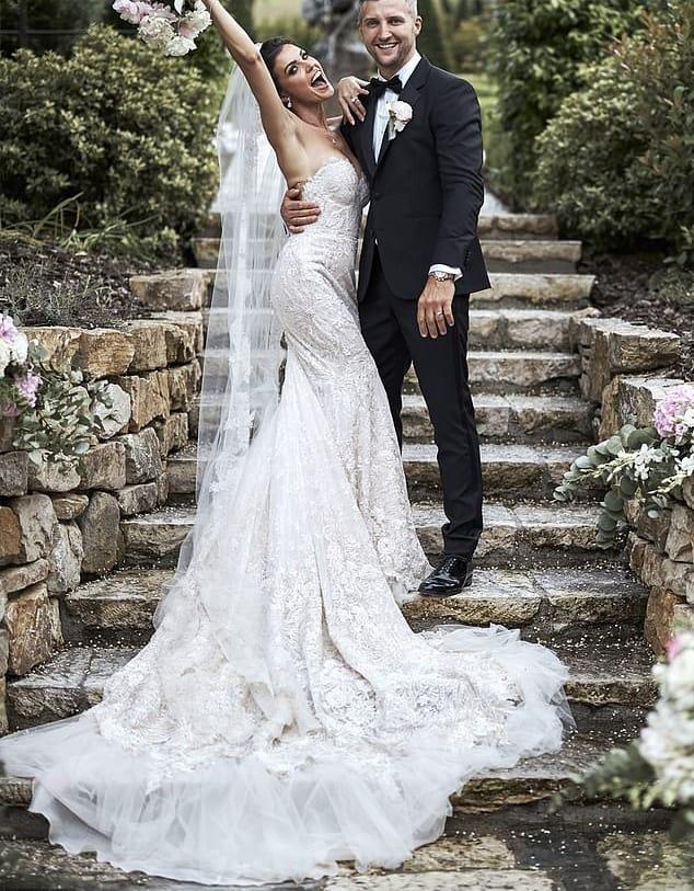 فستان زفاف رايتشل كوردينغلي