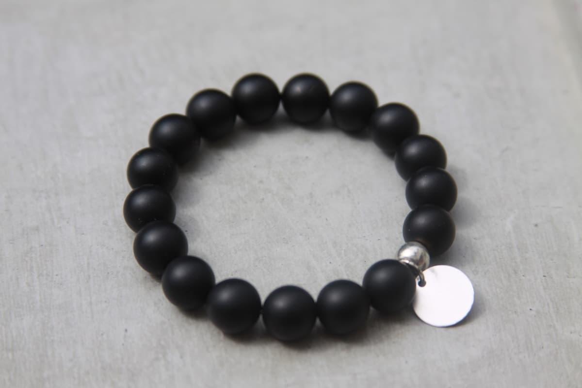 مجوهرات سوداء :الأسود المات