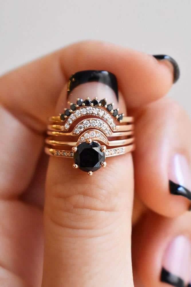 طقم خاتم زفاف متكون من 5 قطع
