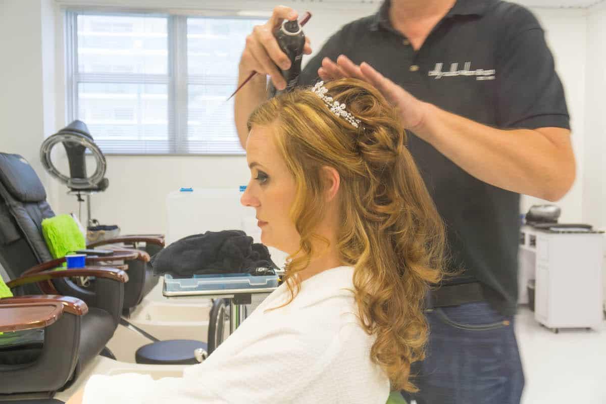 تثبيت الشعر قبل وبعد اختيار التسريحة