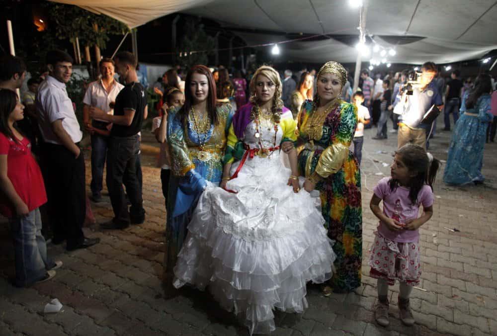 فساتين الزفاف حسب المناطق : فستان زفاف عروس تركيا
